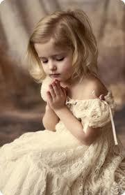 praying kid